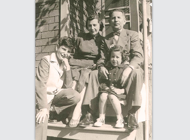 Sadye and Samuel Goldseker, with children Sheldon and Audrey, 1951.