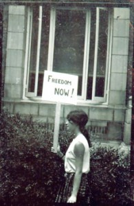 Heather Booth protests for voting rights in Mississippi during the 1964 Freedom Summer. (Wallace Roberts)
