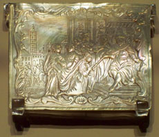 """Saying a blessing before inhaling snuff, sometimes stored in ornate boxes or tins, can assist in reaching the required 100 blessings a day when meals are not taken. (Wikipedia Loves Art participant """"Opal_Art_Seekers_4"""" via Wikimedia Commons)"""