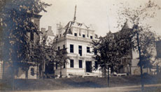 The Schinasi Mansion on Manhattan's Upper West Side as it looked in 1907, the year of Altina's birth.