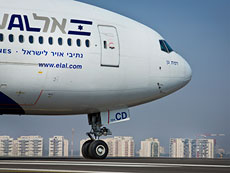 El Al made headlines when several haredi men refused to sit next to women on a flight from New York to Tel Aviv. (Moshe Shai/FLASH90)