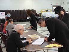 Residents of Ramapo vote during a special election in September 2014. (Melissa Gerr)