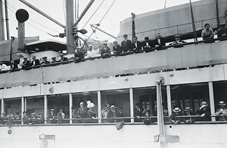 Passengers on board the S.S. Imperator arrive in New York City on June 19, 1913.