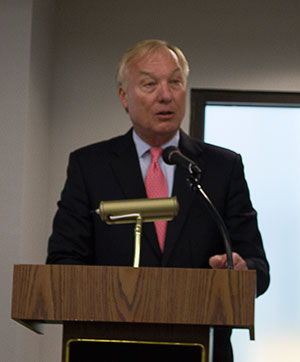 Maryland Comptroller Peter Franchot addresses the Baltimore Jewish  Council on May 14. (Justin Katz)