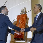 President Barack Obama shakes hands with Adas Israel Congregation Senior Rabbi Gil Steinlauf.
