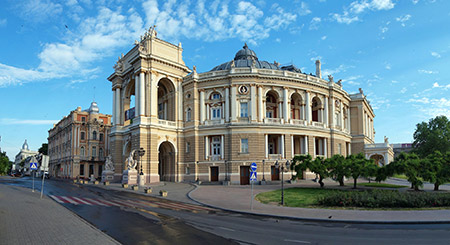 Odessa's Opera House is famous and a much-loved place in the city. (Wikimedia Commons/Alex Levitsky & Dmitry Shamatazhi)
