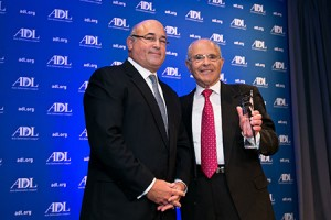 ADL national chair Marvin D. Nathan (right) presents MedStar CEO and president Kenneth Samet with ADL's Achievement Award. (ImageLinkPhoto.com)