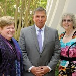 Associated president Marc Terrill with Associated Women campaign chair Nina Rosenzwog (left) and Associated campaign chair Nancy Kohn Rabin. (Photos provided)