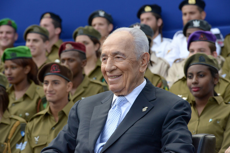 PRESIDENT SHIMON PERES CELEBRATES ISRAEL'S INDEPENDENCE DAY IN 2013. PHOTO BY BEN GERSHOM / ISRAEL GOVERNMENT PRESS OFFICE
