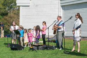 Temple Isaiah hosted Rosh Hashanah in the Park on Monday, Oct. 3 at Centennial Park in Ellicott City. The celebration featured picnics, a family service led by clergy and educators and a Tashlich service. (Eric McCormick)