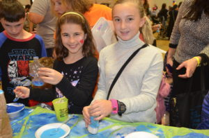 Shabbat Through the Senses included a variety of hands-on activities for participants of all ages