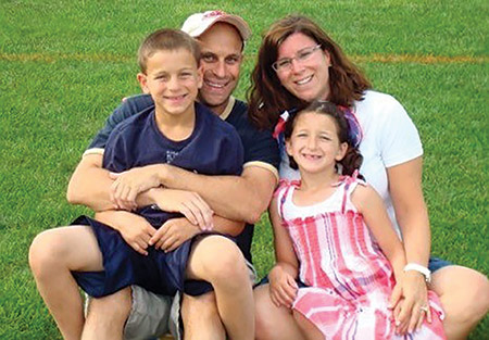 Jonathan Gitelman with his wife, Amy, and children, Lucas and Hannah (Provided)