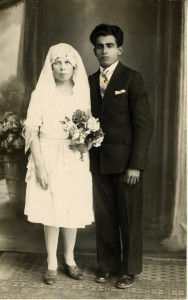 A  wedding couple, circa 1920. (Courtesy of the Jewish Museum of Maryland, 1996.174.5)