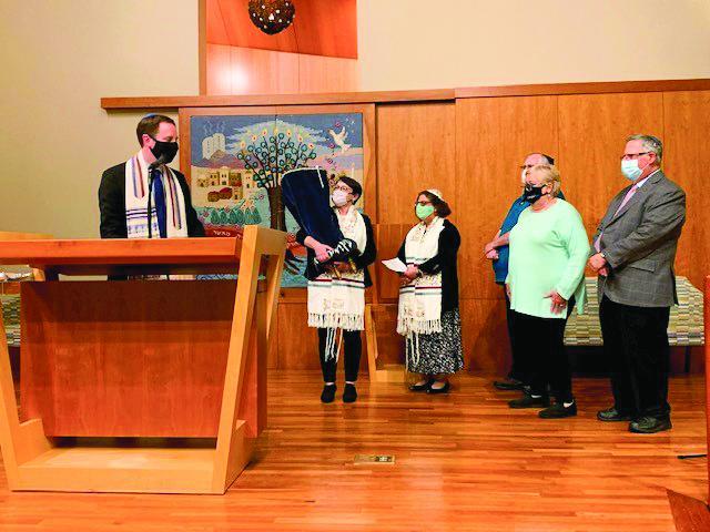 From left: Rabbi Andy Gordon, Elaine Richman, Rabbi Jennifer Weiner, Sam Dansicker, Mina Wender and Ken Bell