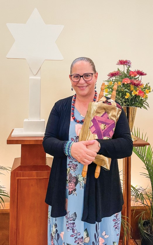 Cantor Nancy Ginsberg in Oak Crest's sanctuary