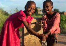 African children benefitting from the support of Innovation: Africa