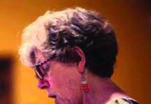 Dr. Gwen L. DuBois